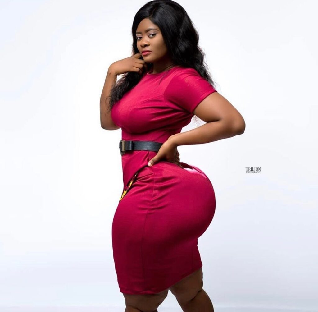 Actress Sheena flood the internet with beautiful photos as she celebrates her birthday 3
