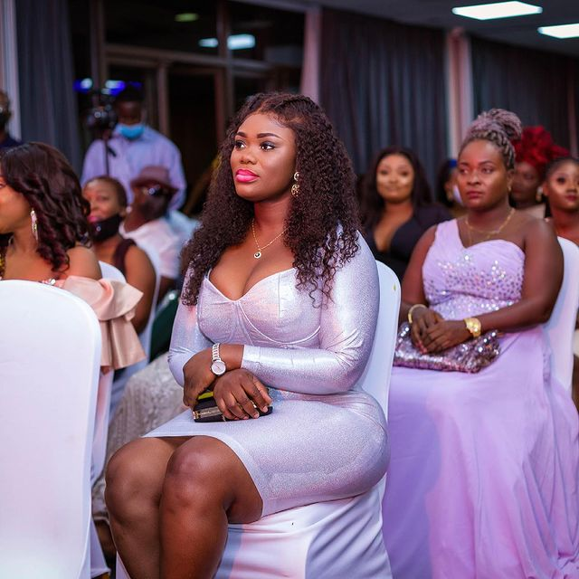 Akua GMB flaunts her banging body to show her ex-husband what he is missing. 3
