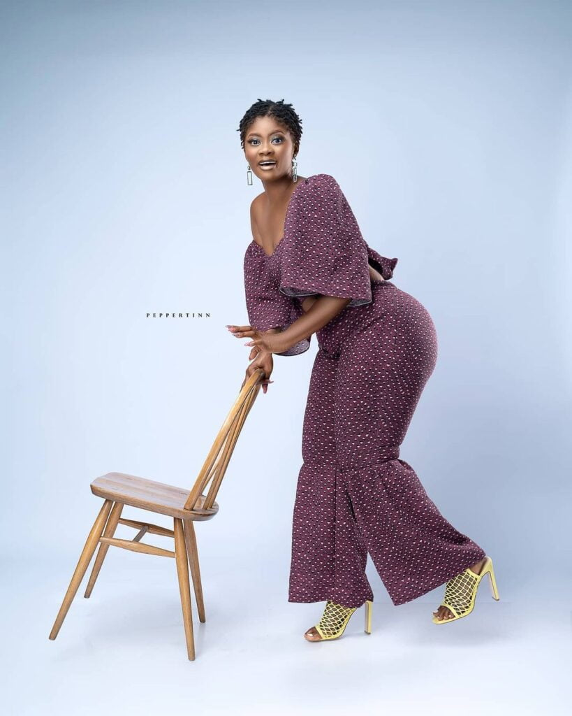 Actress Sheena flood the internet with beautiful photos as she celebrates her birthday 12