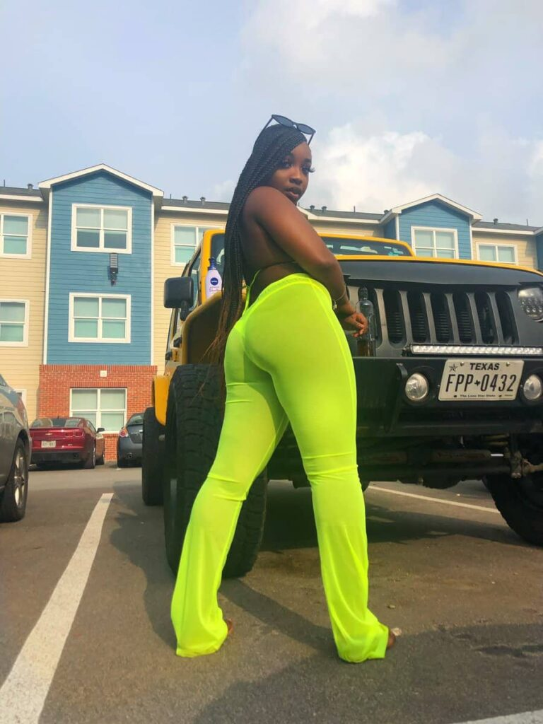 'With this package, my boo will never cheat on me' – Lady brags as she flaunts her assets (Photos) 4