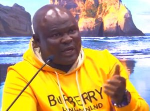 Bukom Banku appears again with a new look - see his photos after bleaching 3
