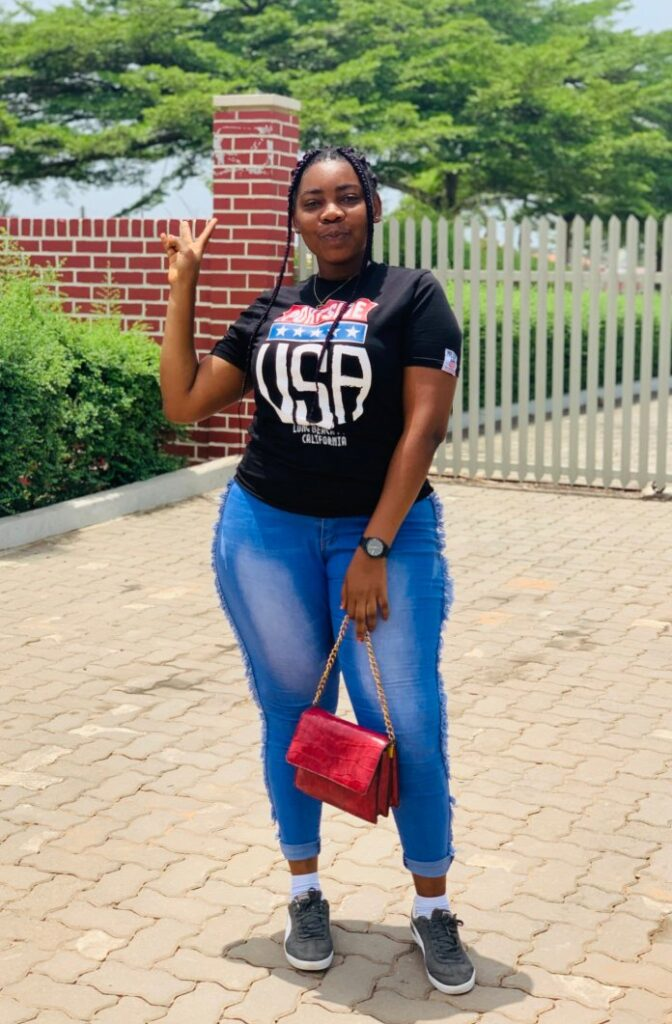 """""""If I don't get rich by August, I'll start acting for p0rn"""" – Beautiful Ghanaian lady 3"""